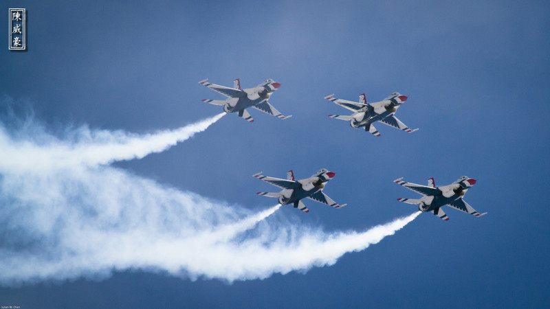 IMAGE: http://julianchen.smugmug.com/Photography/March-Field-AirFest-2012/i-PS5GL4R/0/L/20120520-Canon-EOS-7D-IMG3720-L.jpg