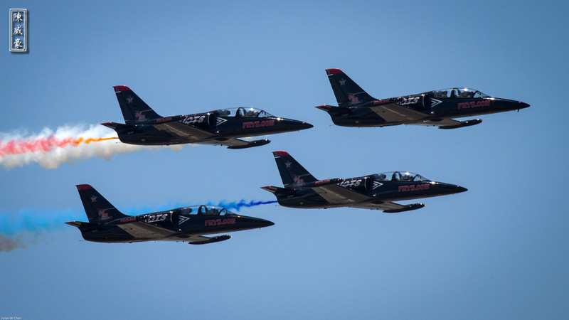 IMAGE: http://julianchen.smugmug.com/Photography/March-Field-AirFest-2012/i-Rz7PH34/0/L/20120520-Canon-EOS-7D-IMG2175-L.jpg