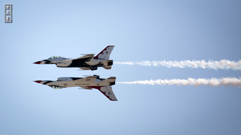 IMAGE: http://julianchen.smugmug.com/Photography/March-Field-AirFest-2012/i-WFWv7bj/0/L/20120520-Canon-EOS-5D-Mark-III-L.jpg