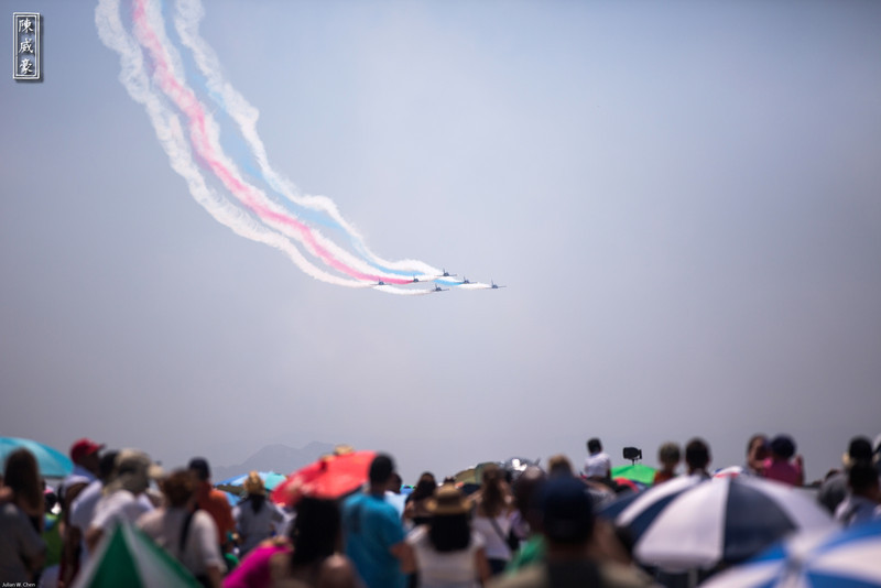 IMAGE: http://julianchen.smugmug.com/Photography/March-Field-AirFest-2012/i-bcSGM7m/0/L/20120520-Canon-EOS-5D-Mark-III-L.jpg