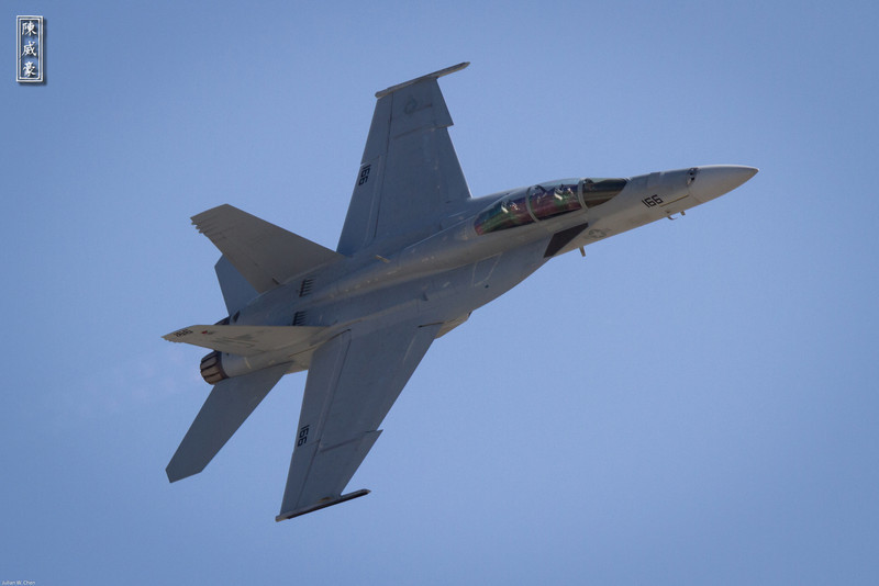 IMAGE: http://julianchen.smugmug.com/Photography/March-Field-AirFest-2012/i-gdstJr5/0/L/20120520-Canon-EOS-7D-IMG3291-L.jpg