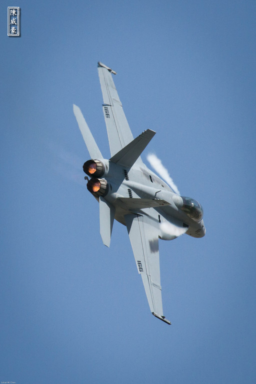 IMAGE: http://julianchen.smugmug.com/Photography/March-Field-AirFest-2012/i-z8SJFw9/0/XL/20120520-Canon-EOS-7D-IMG3227-XL.jpg