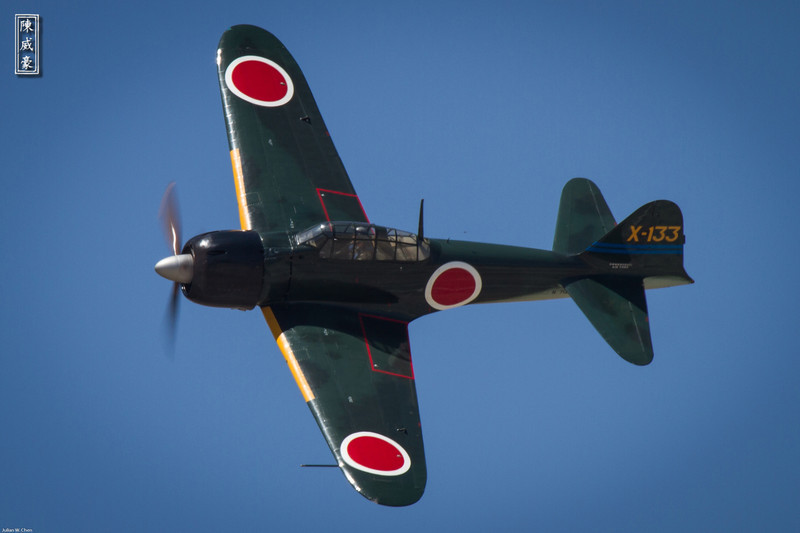 IMAGE: http://julianchen.smugmug.com/Photography/March-Field-AirFest-2012/i-zTFZvPd/0/L/20120520-Canon-EOS-7D-IMG1919-L.jpg