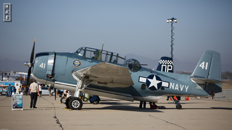 IMAGE: http://julianchen.smugmug.com/Photography/March-Field-AirFest-2012/i-zz8q322/0/L/20120520-Canon-EOS-5D-Mark-III-L.jpg