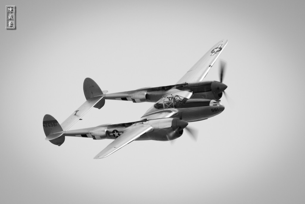 IMAGE: http://julianchen.smugmug.com/Photography/Planes-of-Fame-Chino-Airshow/i-8jT35R7/0/XL/20110515-IMG7864-XL.jpg
