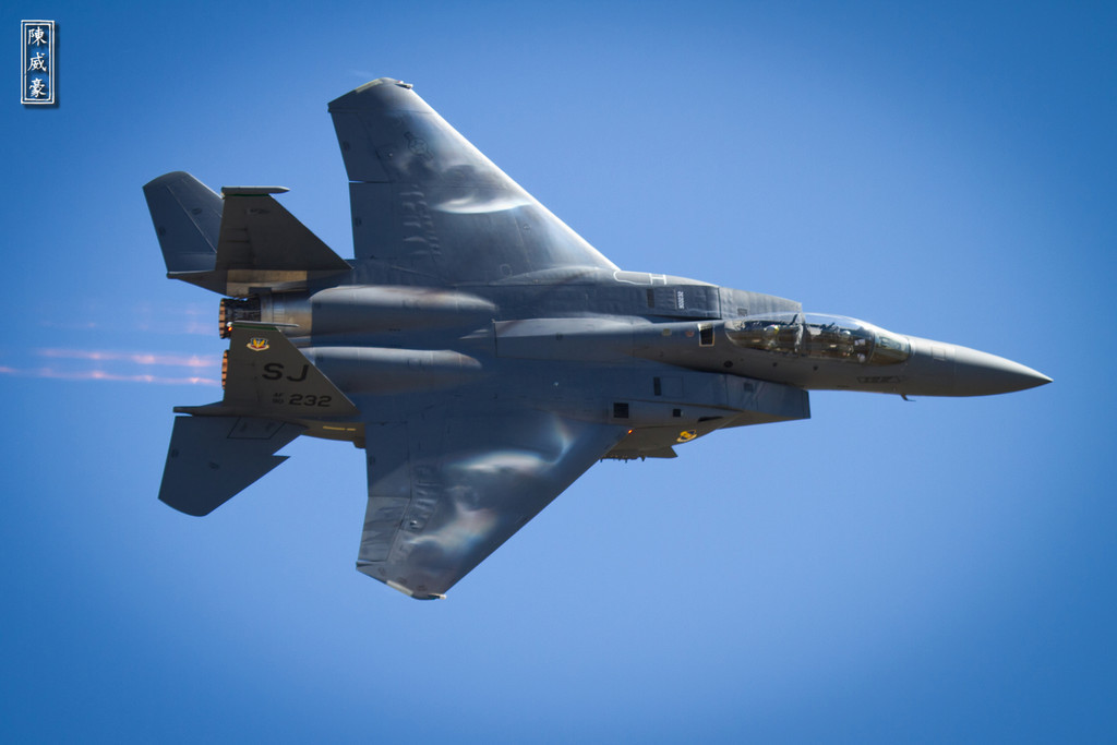 IMAGE: http://julianchen.smugmug.com/Photography/Planes-of-Fame-Chino-Airshow/i-F93fXWp/0/XL/20110515-IMG8820-XL.jpg