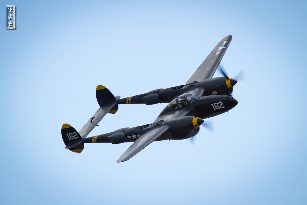 IMAGE: http://julianchen.smugmug.com/Photography/Planes-of-Fame-Chino-Airshow/i-mQdr6ZS/0/XL/20110515-IMG8407-XL.jpg