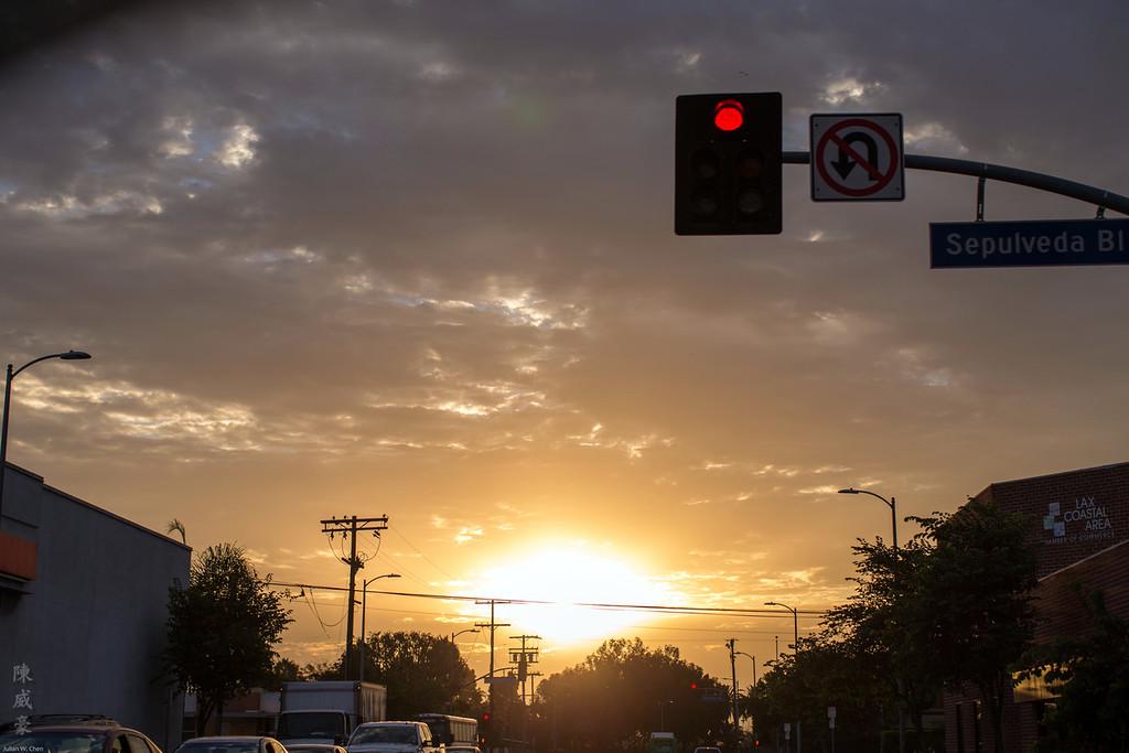 IMAGE: https://julianchen.smugmug.com/Misc/Lens/Canon-50L/i-cjqjBBt/0/XL/20150910-Canon%20EOS-1D%20X-1DX_1430-XL.jpg