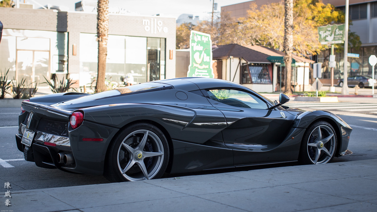 IMAGE: https://julianchen.smugmug.com/Photography/Ferrari-laFerrari/i-CS8C7Kr/0/X2/20160213-Canon%20EOS-1D%20X-1DX_6854-X2.jpg