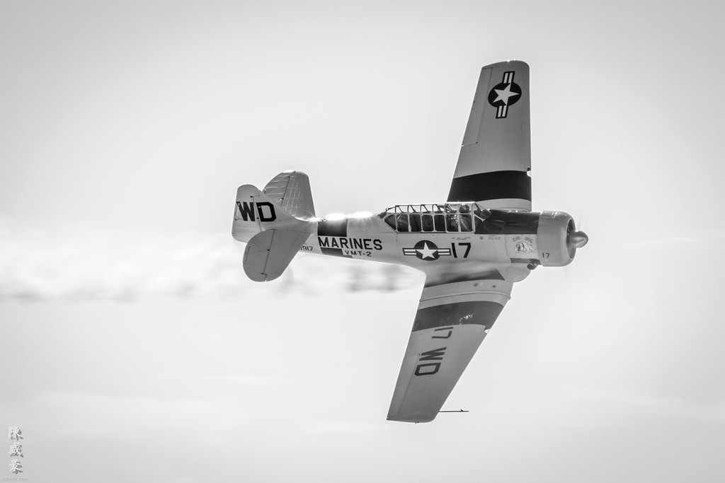 IMAGE: https://julianchen.smugmug.com/Photography/Miramar-Airshow-2011/i-qtCVwBX/0/XL/20111002-Canon%20EOS%207D-IMG_8030-XL.jpg