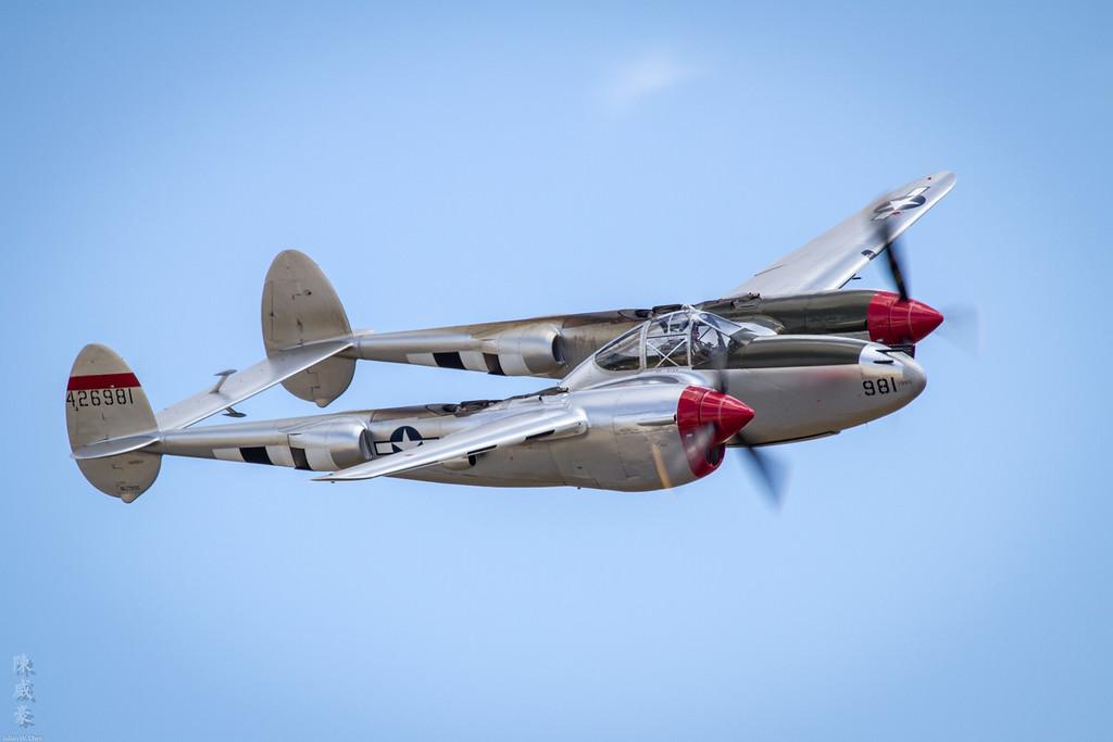 IMAGE: https://julianchen.smugmug.com/Photography/Planes-of-Fame-Chino-Airshow/i-LQDKXtJ/0/XL/20110515-IMG_8033-XL.jpg
