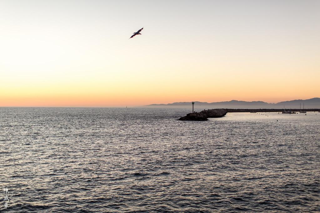 IMAGE: https://julianchen.smugmug.com/Photography/Redondo-Beach/i-3PjLrpd/0/XL/20150919-Canon%20EOS-1D%20X-1DX_1688-XL.jpg