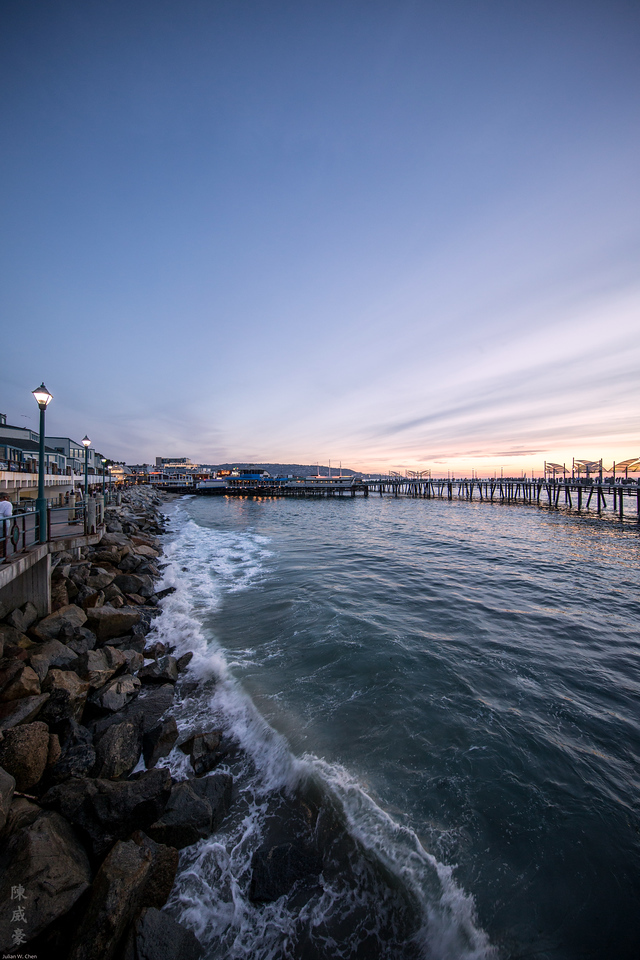 IMAGE: https://julianchen.smugmug.com/Photography/Redondo-Beach/i-CDqtvv6/0/X2/20151024-Canon%20EOS-1D%20X-1DX_3697-X2.jpg