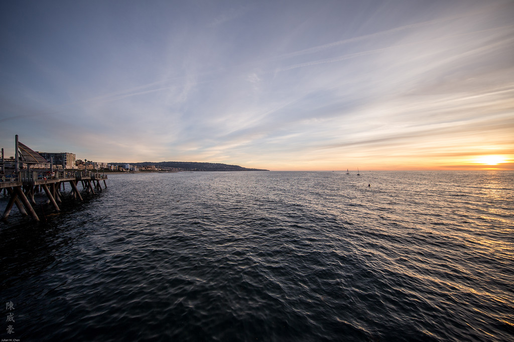 IMAGE: https://julianchen.smugmug.com/Photography/Redondo-Beach/i-QgVTDKP/0/XL/20151024-Canon%20EOS-1D%20X-1DX_3642-XL.jpg